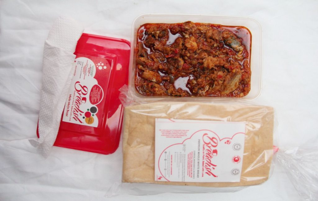Whole White Mini Loaf + Diced Beef & Ponmo in peppered stew